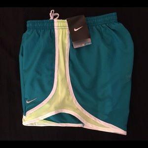 Nike Tempo Women's Running Shorts (Sm)